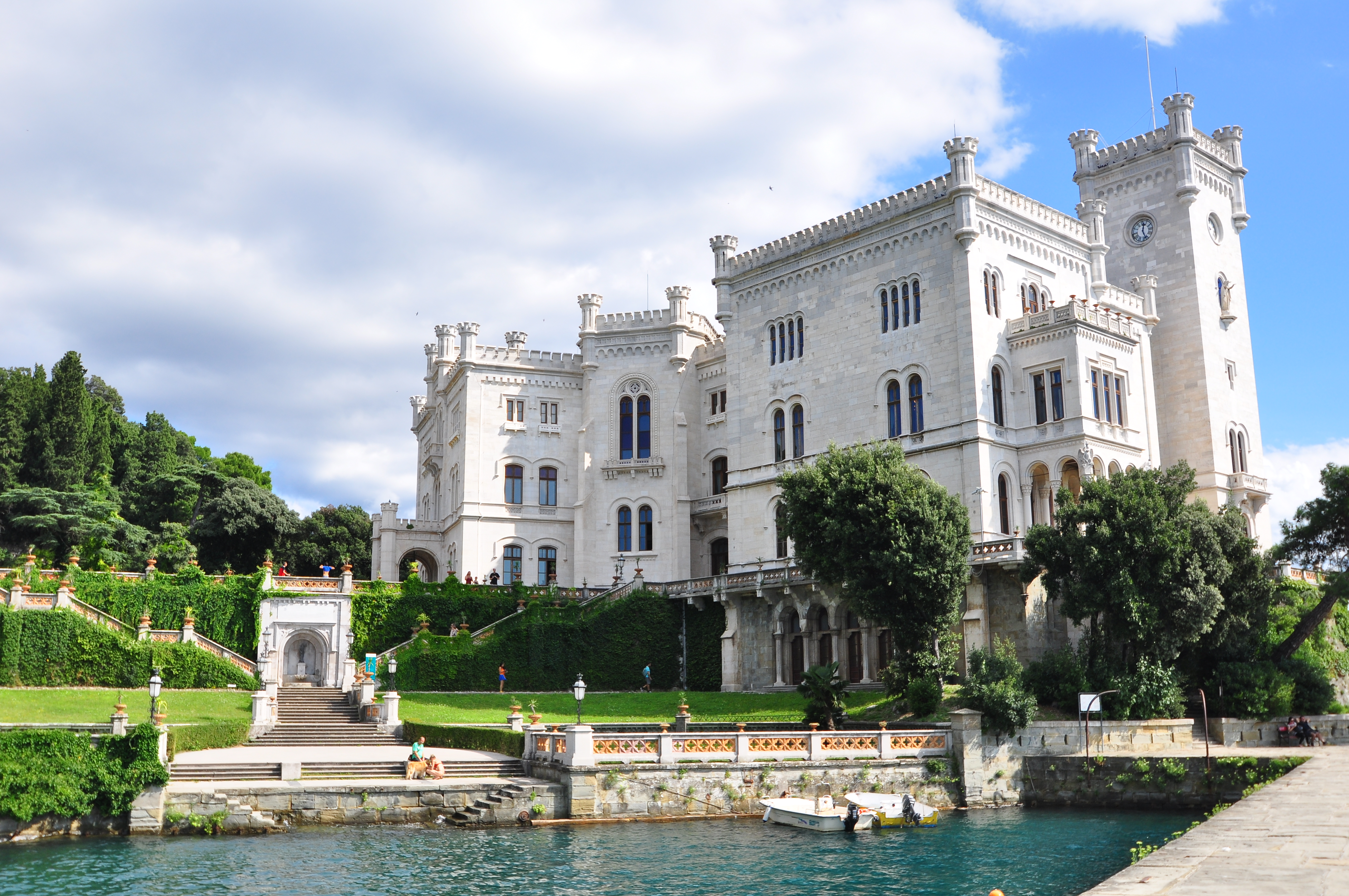Trieste Castello di Miramare Foto Castello di Miramare